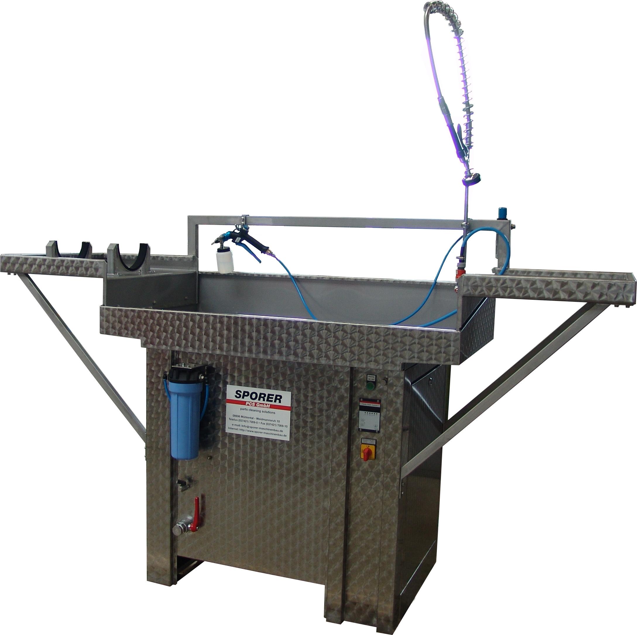 Sonder-Pinselwaschtisch für additiv gefertigte Bauteile